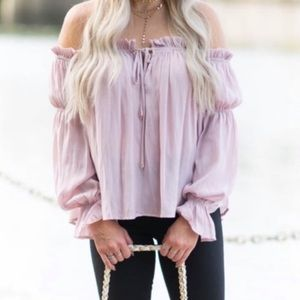 Beautiful pink Socialite off the shoulder blouse🌸